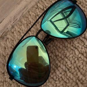 Quay Vivienne Sunglasses - Blue Mirror lens